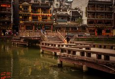 Landskap av Phoenix forntida townFenghuang, Hunan, Kina arkivbild