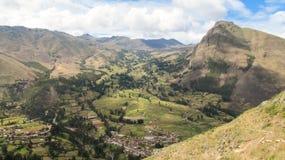 Landskap av Pisaq i den sakrala dalen av incasna Arkivbild
