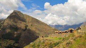 Landskap av Pisaq i den sakrala dalen för Peru ` s av incasna Royaltyfria Bilder