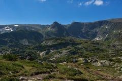 Landskap av Rila Mountan nära, de sju Rila sjöarna, Bulgarien Royaltyfri Foto