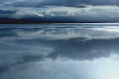 Landskap av Saka Salt Lake Arkivfoto