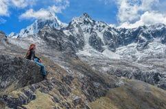 Landskap av Santa Cruz Trek, Cordillera Blanca, Peru Royaltyfri Bild