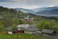 Landskap av sjön Bicaz Rumänien arkivfoton