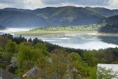 Landskap av sjön Bicaz Rumänien Royaltyfria Bilder