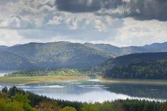 Landskap av sjön Bicaz Rumänien Royaltyfria Foton