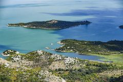 Landskap av Skadar sjön i Montenegro royaltyfri foto