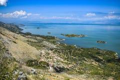 Landskap av Skadar sjön i Montenegro arkivfoto