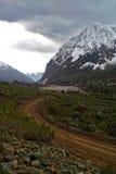 Landskap av stora berg royaltyfria bilder
