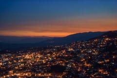 Landskap av Taxco, Mexico på natten Fotografering för Bildbyråer