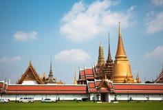 Landskap av templet av Emerald Buddha royaltyfri bild
