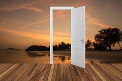 Landskap bak öppningsdörren, 3D Royaltyfri Bild
