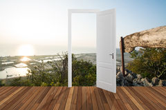 Landskap bak öppningsdörren, 3D Arkivfoton