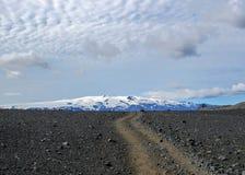 Landskap för öken för sand för kast för gå bana vulkaniskt svart, Laugavegur slinga från Thorsmork till Landmannalaugar, Skotska  arkivfoton