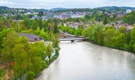 Landskap för Aare flodvår Bern Arkivfoton