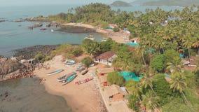 Landskap för flyg- sikt för skönhetPathem strand, Goa tillstånd i Indien stock video