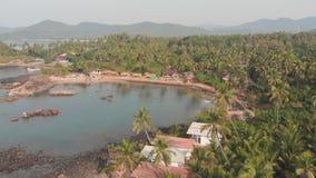 Landskap för flyg- sikt för skönhetPathem strand, Goa tillstånd i Indien lager videofilmer