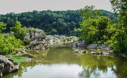 Landskap för Great Falls Maryland bergöverkant royaltyfria foton