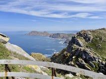 Landskap för härlig sikt av steniga öar royaltyfri bild