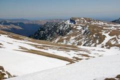 Landskap för höga berg i sommartid Arkivfoto