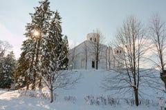 Landskap för Klisura klostervinter, Bulgarien Arkivbild
