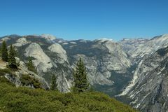 Landskap för sommar för Yosemite nationalparkdal från glaciärpunkt arkivfoto