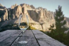 Landskap för sommarbergItalien Dolomiti panorama Arkivbild