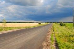 landskap för sommarlandskapsommar i regionen för centralsvartjord, Ryssland Arkivfoto