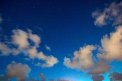 Landskap för stjärnklar natt nära havet Fotografering för Bildbyråer