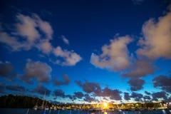 Landskap för stjärnklar natt nära havet Royaltyfri Fotografi