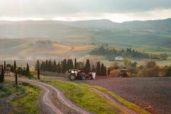 Landskap för Tuscan jordbruksmarkbygd, Tuscany, Italien royaltyfri fotografi