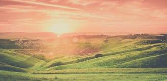 Landskap för Tuscan stadsolnedgång Royaltyfri Bild