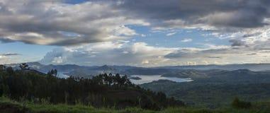 Landskap från den Virunga nationalparken Arkivbild