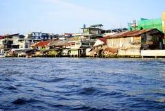 Landskap i Bangkok på floden Chao Praya royaltyfri foto
