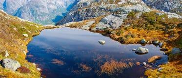 Landskap i berg norway Arkivbild