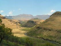Landskap i de Drakensberg bergen Arkivbild