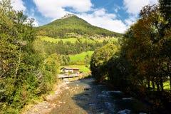 Landskap i Lutago, södra Tirol, fjällängar, Italien Fotografering för Bildbyråer