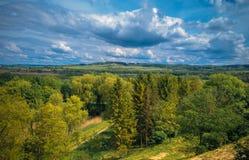 Landskap i skogsmarken med kullar Royaltyfri Fotografi