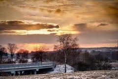 Landskap i solnedgång arkivbild