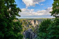Landskap i Tyskland, Sachsen nationalparksaxon switzerland Royaltyfri Fotografi