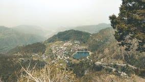 Landskap Lakeview i Nainital, Indien arkivbild