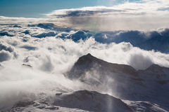 Berg och moln Royaltyfria Foton