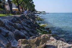 Landskap med bilden av Garda sjön Royaltyfri Fotografi