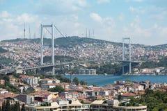Landskap med den Ataturk bron Arkivfoton