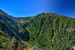 Landskap med den Balea vattenfallet Royaltyfri Fotografi