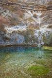 Landskap med den naturliga våren i Covanera Burgos spain Arkivfoton