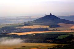 Landskap med en slott Arkivfoto