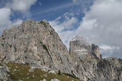 Landskap med ett berg, Italien Arkivbild
