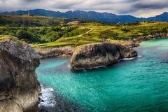 landskap med havkusten i Asturias, Spanien Arkivfoto