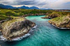 landskap med havkusten i Asturias, Spanien Arkivbild
