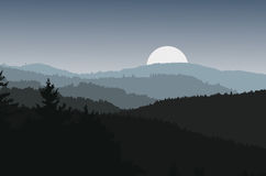 Landskap med mörka konturer av kullar och månen Arkivbilder